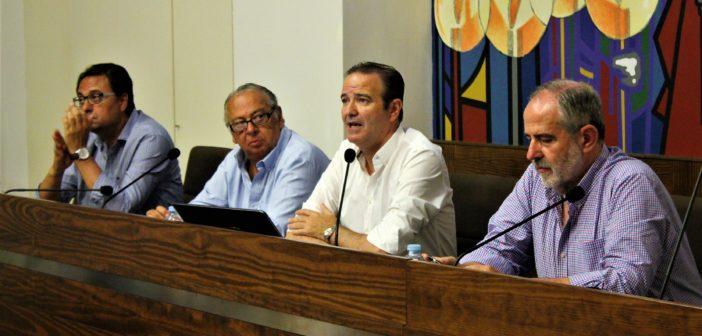 D. Salvador Pozo, secretario de la nueva Junta de Gobierno de laAgrupación de Cofradías