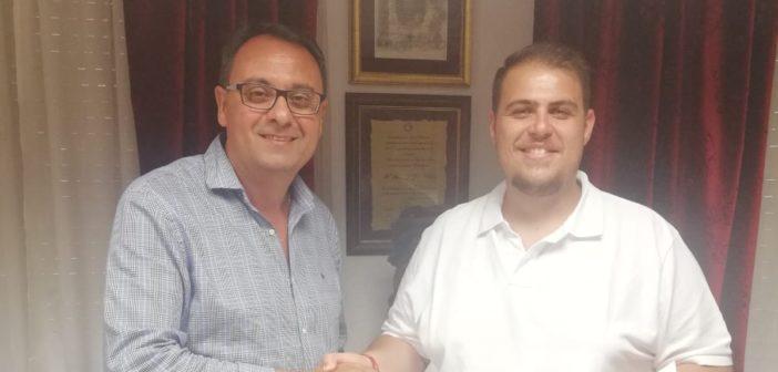 Firma de contrato con la A.M. San Lorenzo Mártir para el Domingo de Ramos 2019