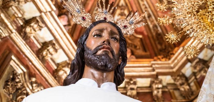 Galería Fotográfica – Nuestros Sagrados Titulares ataviados para la Pascua